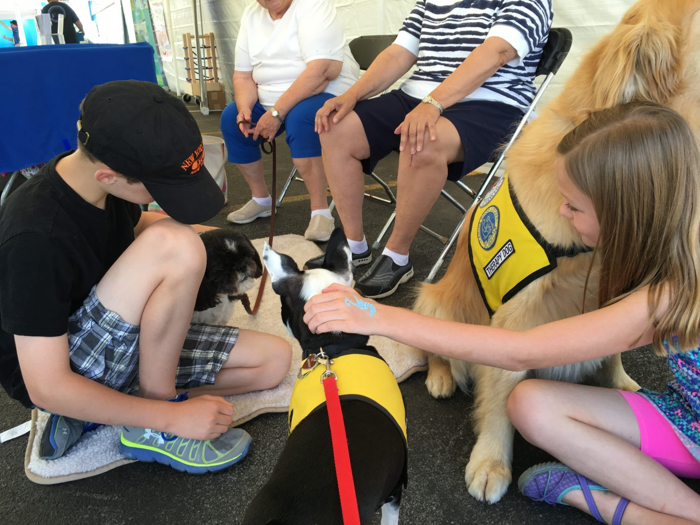Exelon Nuclear Plant Health and Wellness Fair Therapy Dog and Kids