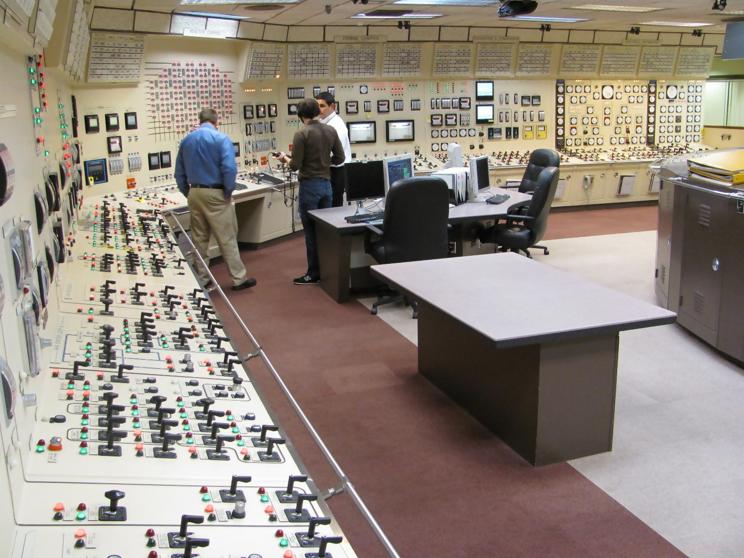 Nuclear Power Plant Control Room Features
